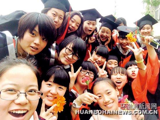 唐山市第十二高级中学举行18岁成人礼(图)_社会新闻_唐山环渤