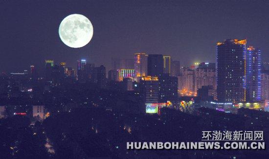 昨晚最大月亮图片