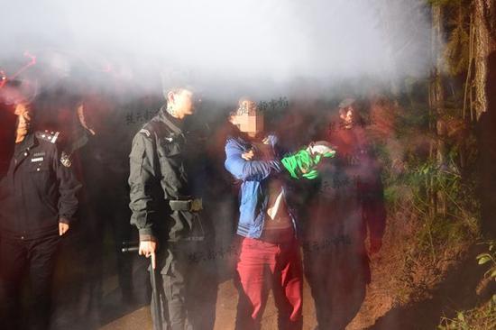 男子勒死5岁自闭症儿子 被抓时嚎啕大哭