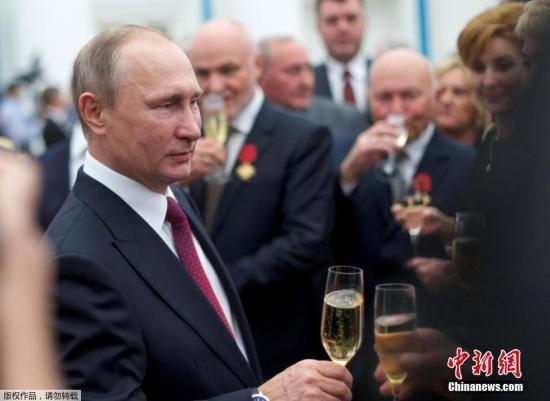 """普京否认干预美国大选 称美方指控""""歇斯底里"""""""
