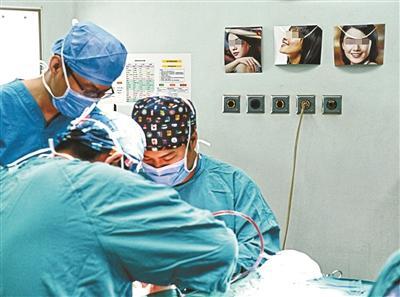 暑期学生整容热:医院手术增五成趋于理性微调