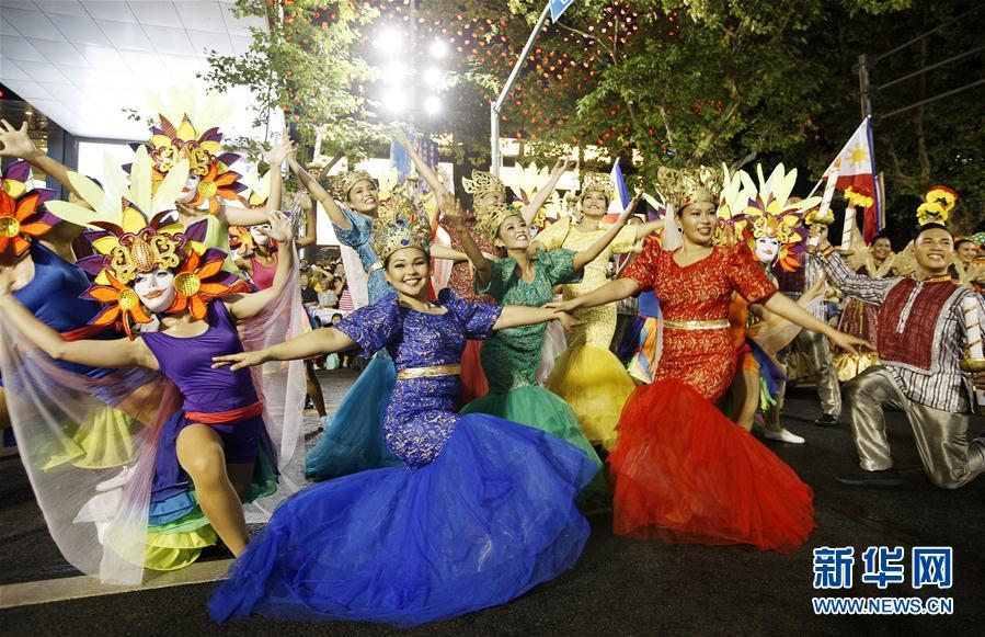 上海旅游节花车巡游活动举行