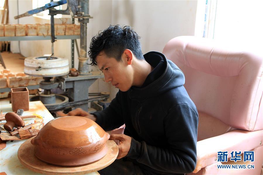 藏族黑陶――老技艺的新发展