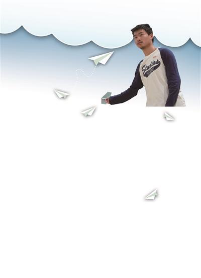 高一男孩夺全国纸飞机比赛第一:留空时间为13.8秒