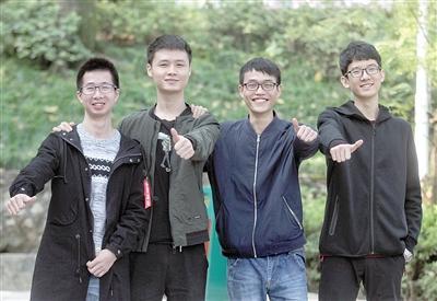 """重庆高校现""""超强就业男生寝室"""" 1人保研5人进名企"""