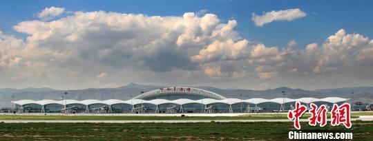 呼和浩特白塔国际机场年旅客吞吐量破1000万人次