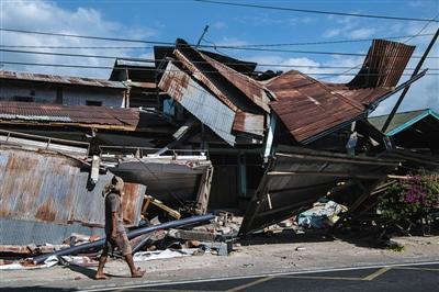 印尼地震致131人死亡 灾区急缺物资