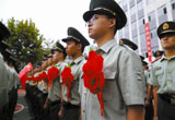 53名消防老兵告别军旅生涯(图)