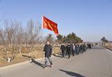唐山:开平双桥镇组织机关干部及村两委开展健步走活动