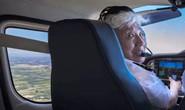 硬核!82岁奶奶开飞机冲上云霄