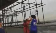 视频|出手快准稳!唐山一男子欲跳楼轻生,消防员瞬间抱住