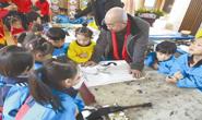 文艺志愿者和小朋友共享墨香盛宴