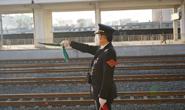 【新春走基层】非常时期的铁路安全守护者