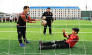 组图|唐山:绿茵场上的足球少年