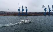 河北出入境边防检查总站首艘执勤艇在曹妃甸列装