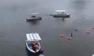 紧急抢救!贵州安顺一载有高考学生大巴车冲进水库