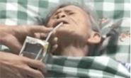 视频|奶奶住院不肯喝药!孙子出高招,网友笑着笑着就哭了……