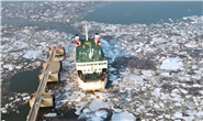 唐山:海上破冰保运忙