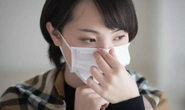 疾控专家:口罩内壁容易污染
